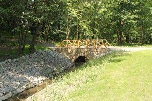 przebudowano 6 przepustów - mostków nad ciekiem